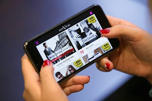Mobile phone ecommerce shopping